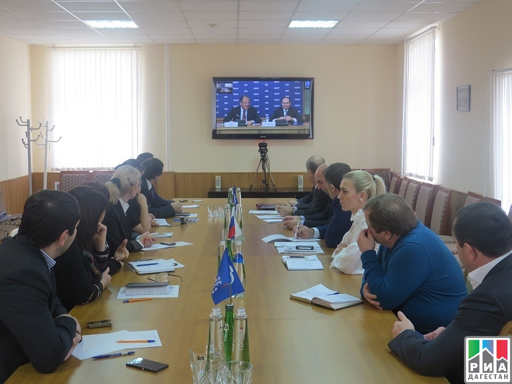 Sergei Lavrov gives open lecture to United Russia's regional executive committee