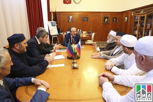 Dagestan Head meets with Sheikh Mustafa Dib al-Bug
